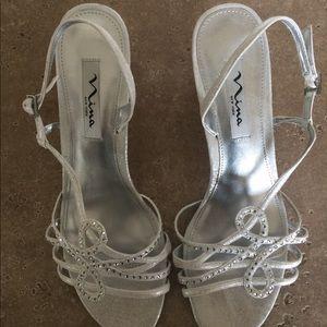 Nina size 10 dressy sandals. New without box
